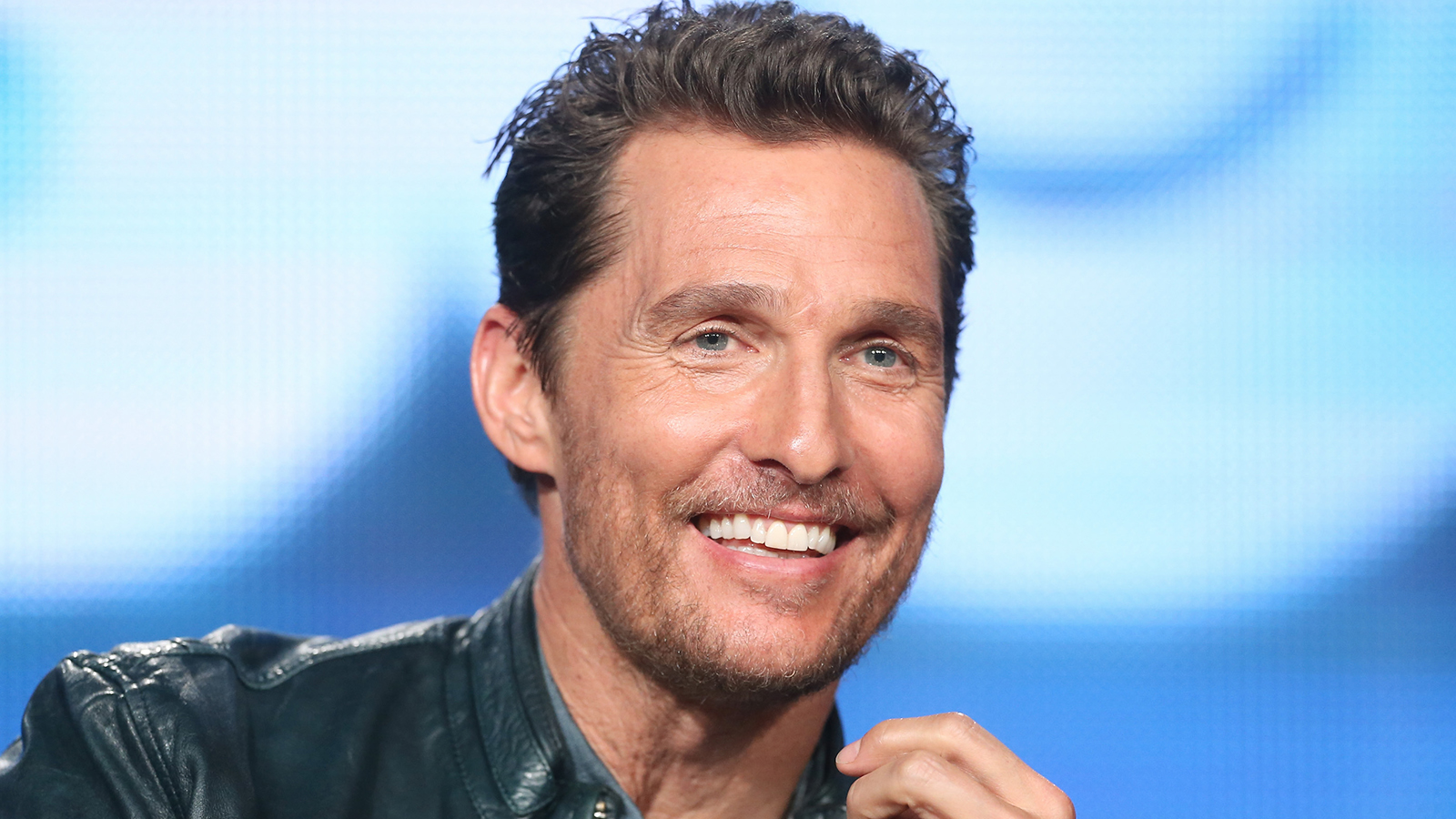 Link activation Roku to watch Mathew McConaughey movies binge on Roku TV